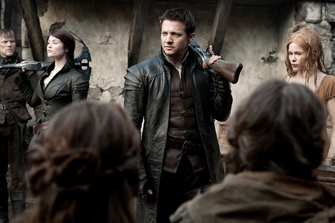 hansel-and-gretel-witch-hunters-gemma-arterton-jeremy-renner.jpg