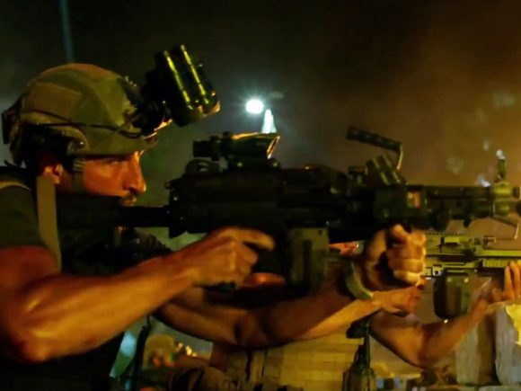 13 Hours: The Secret Soldiers Of Benghazi (Movie) Review 4