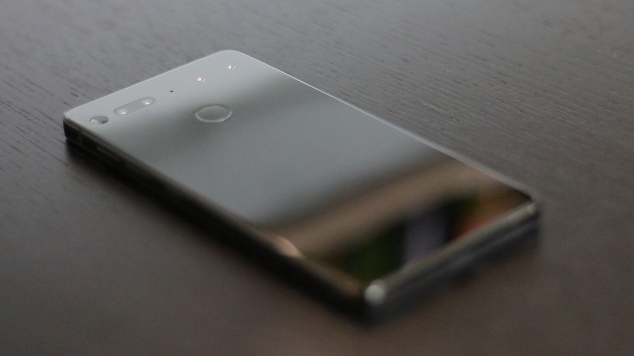 Essential Phone Review - Promising Start 3