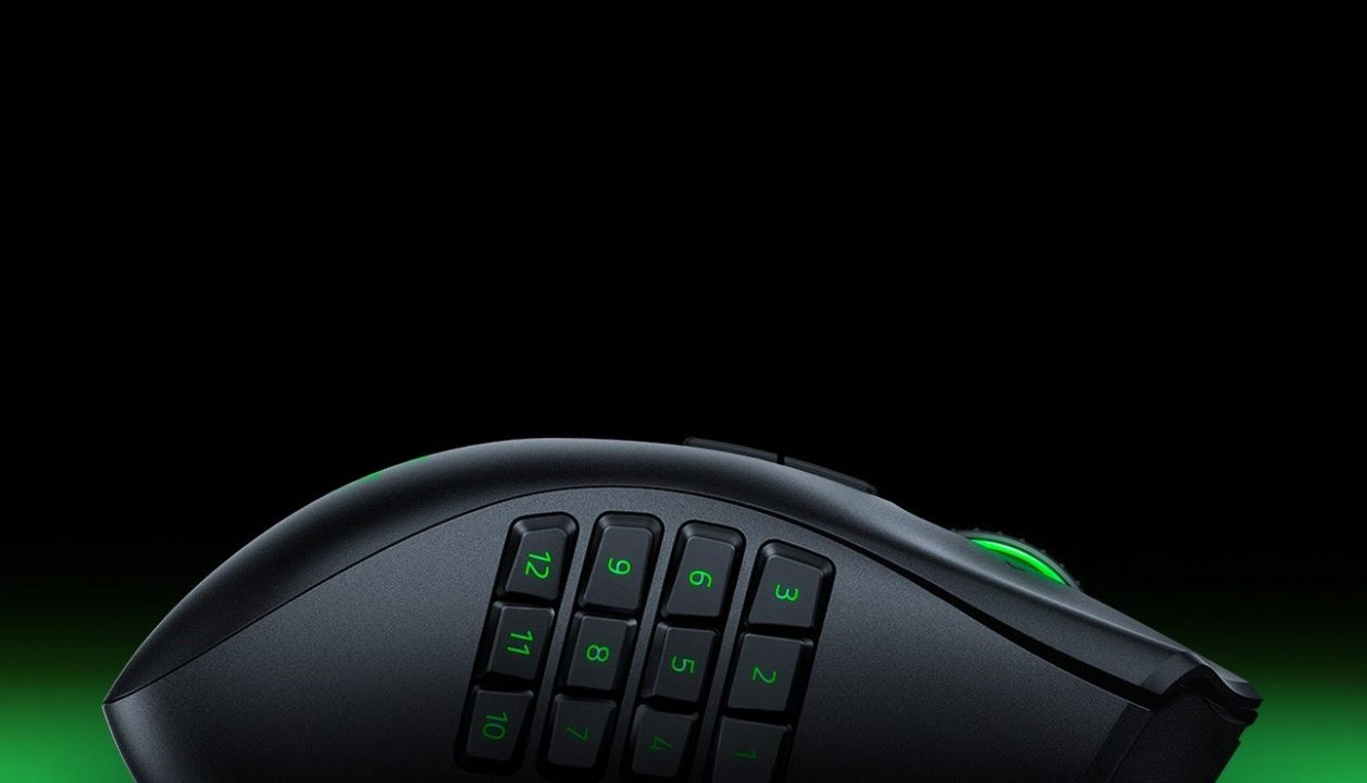 Razer Naga Left-Handed Edition (2020) Review 1